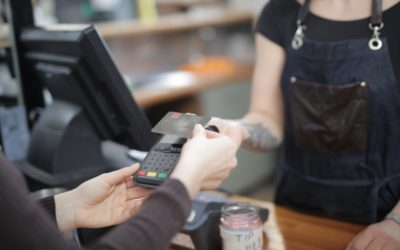 How to Encourage Customers to Use Touchless Payments